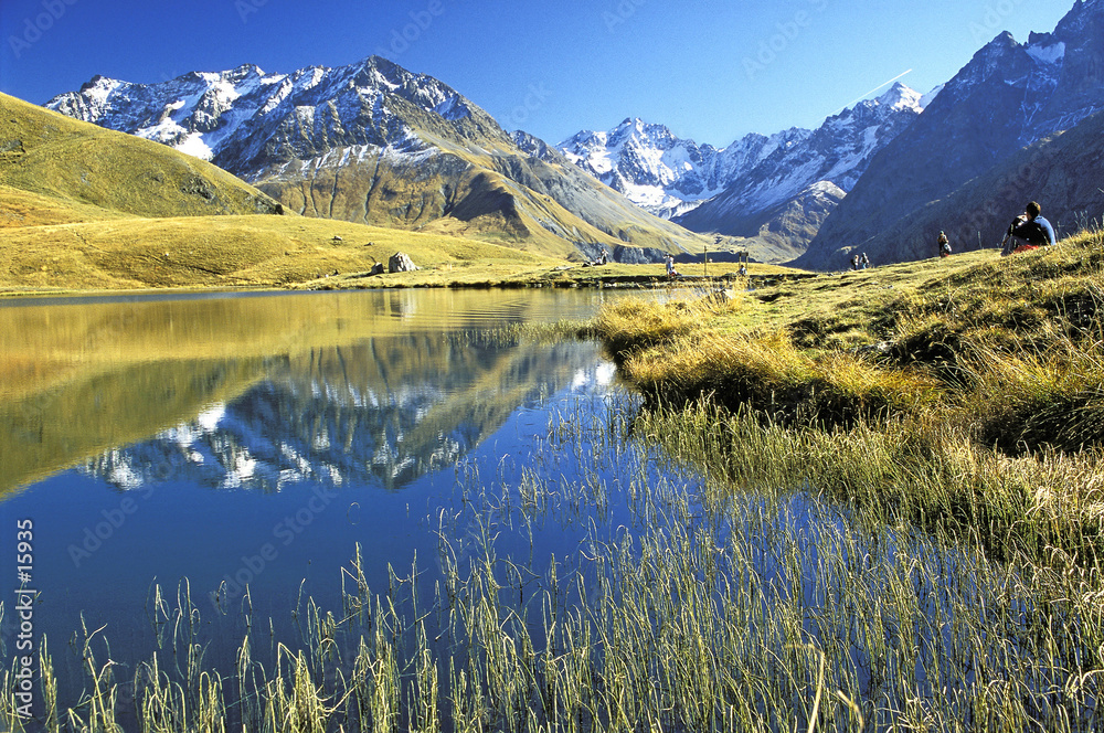 alpy wysokie jesień błękitne niebo - powiększenie