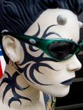 visage mannequin tatouée poster