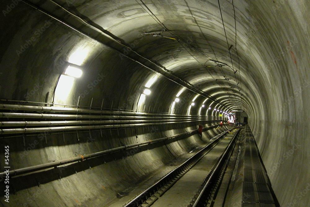 Tunel kolejowy - powiększenie