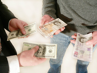 exchanging us dollars and british pounds