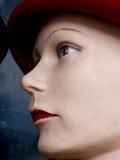 mannequin au chapeau poster
