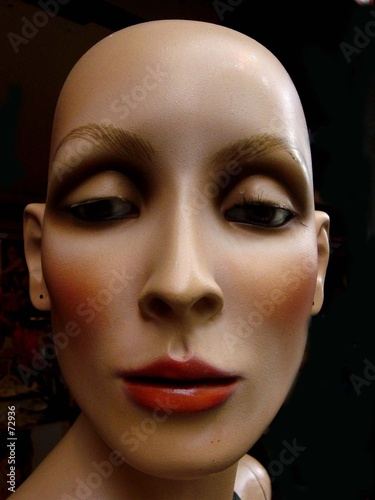 mannequin chauve poster