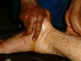 oil massage foot