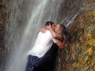 water kissing
