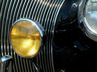 1947 plymouth grill and yellow foglight