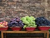 market grapes poster