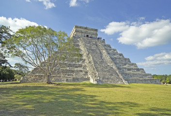 mexico- chichen itza pyramid