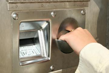bill change machine