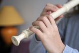 flute et mains poster