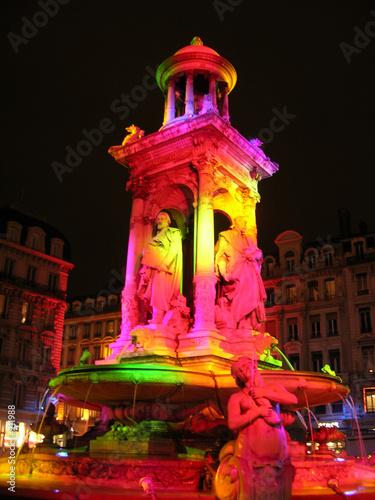 fontaine coloré à lyon - 211988