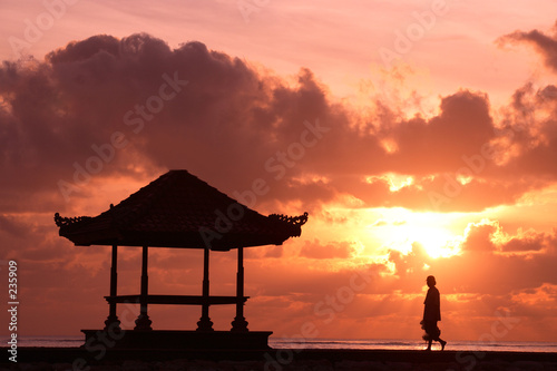 activitiy: yoga at sunrise