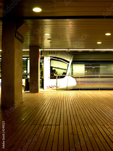 tramway qui reste, tramway qui bouge (lyon, france
