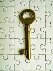 clé sur un puzzle