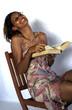 jeune femme lisant 4