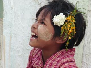 kind aus myanmar