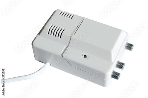 Amplificador se al de televisi n blanco de gerard girbes - Amplificador senal tv ...