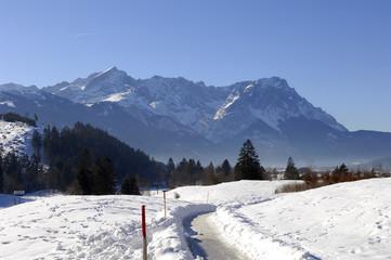 alpspitze bis zugspitze von burgrain