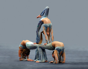 contortionist girls