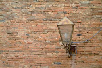 lampe an wand 2