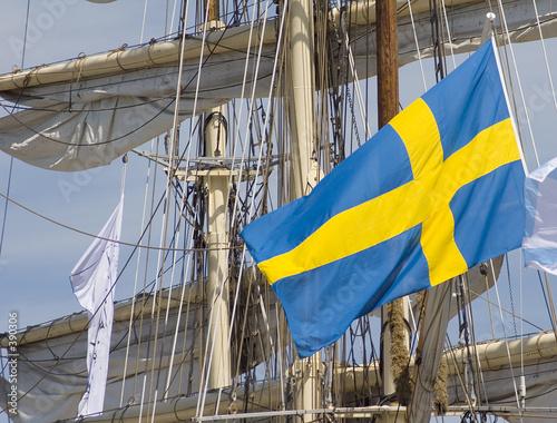 segelschiff mit flagge 2