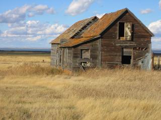 abandoned home in saskatchewan