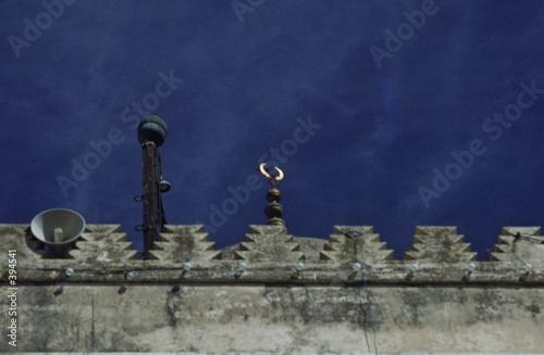 croissant au sommet d'un minaret