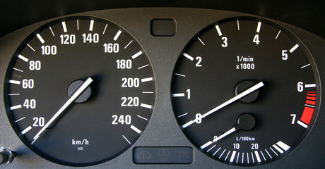 auto speedometer and tachymeter