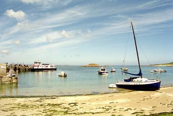 kanalinseln am hafen von herm