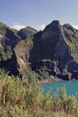 pinatubo crater