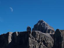 Gebirge mit mond