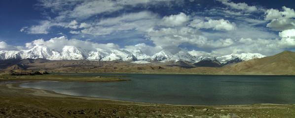 lac à 4000 m d'altitude