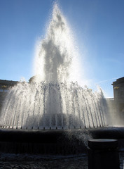 fountain blocking the suns rays