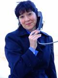 mujer al teléfono poster