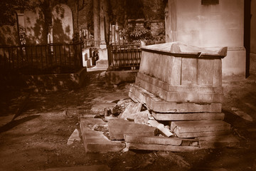 old derelict grave at pere lachaise