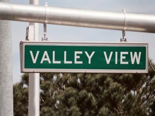 streetsign: valley view