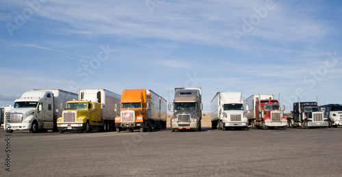 rigs in a row - 579118