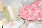Fototapety rose petal spa