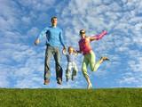 leť šťastná rodina pod cloudfield