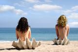 Fototapety two girls in sea shells