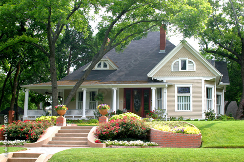 canvas print picture classic house with flower garden