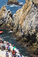 cliffs diving of acapulco