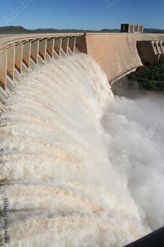 Foto op Aluminium Kanaal gariep dam overflowing