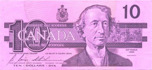 10 pink canadian dollars
