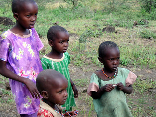 massai-kinder in kenia (kimana)
