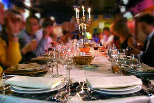pleasant meal in a restaurant - 757334