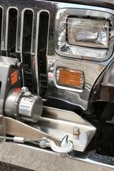 véhicule tout-terrain avec treuil