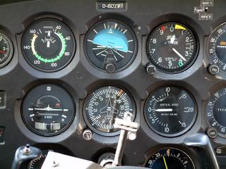 cockpit einer cessna