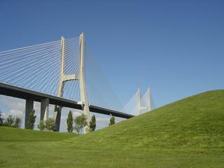 puente vasco da gama11