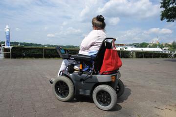 frau mit handicap