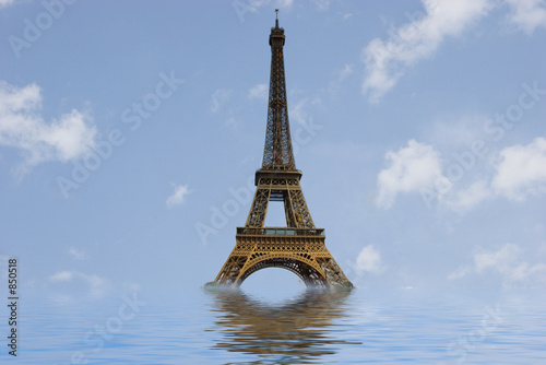 eiffel tower under water - 850518